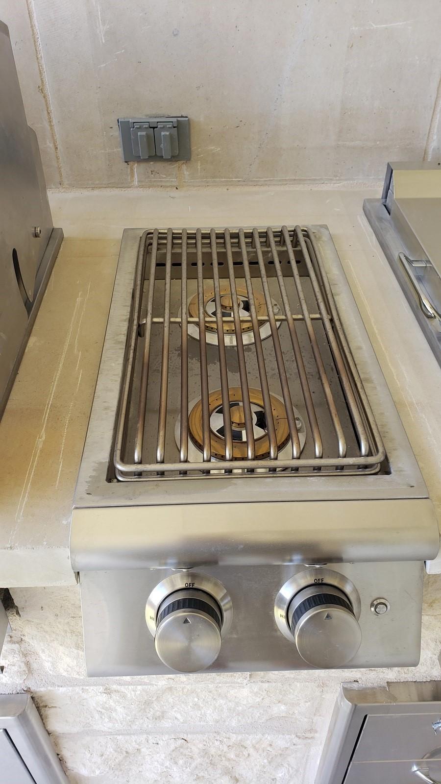 Pflugerville-TX-outdoor-kitchen-burner