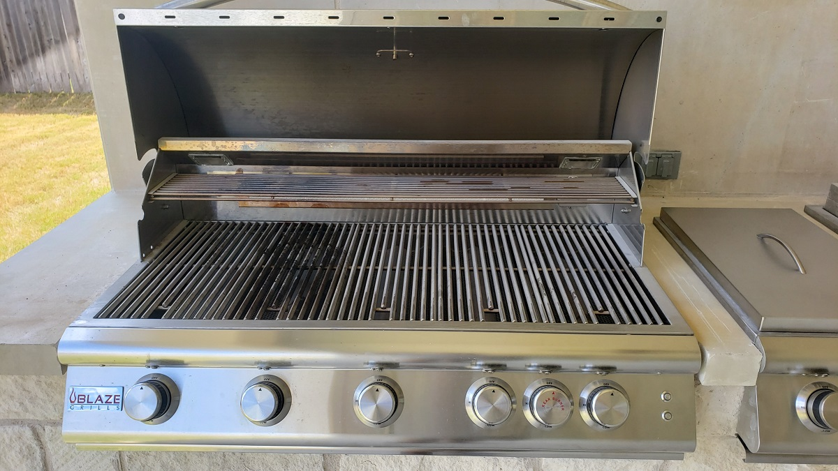 outdoor-kitchen-with-Blaze-grill