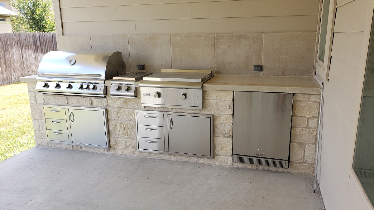 outdoor-kitchen-builder