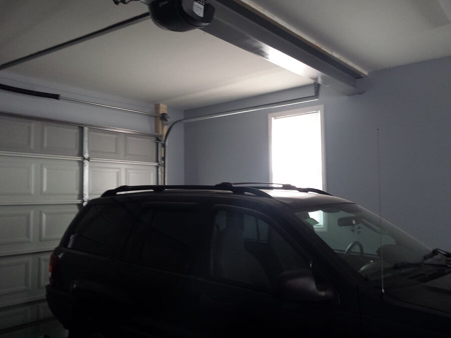 Garage with car