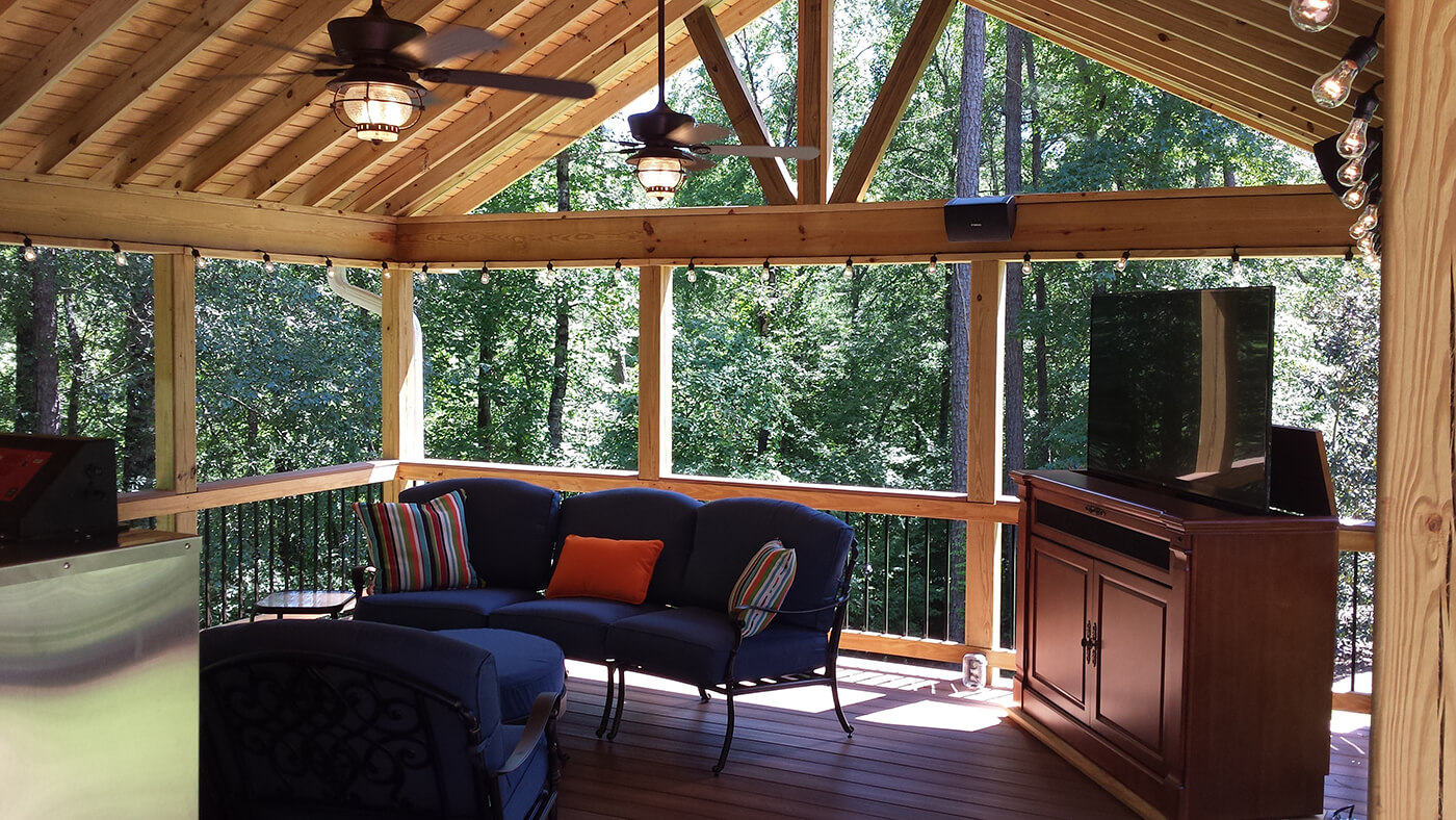 Screened porch with Gable roof