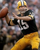 Bart Starr playing football