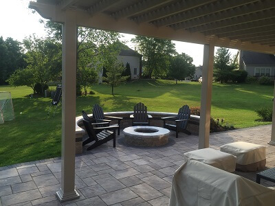 Pergola and fire pit on patio