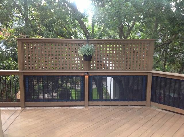 deck with privacy wall made of lattice and fiberglass
