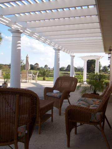 outdoor-living-room-pergola
