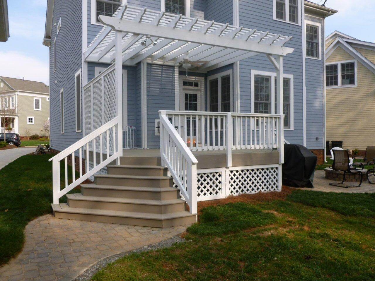 deck with fence