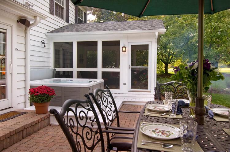 Custom screened porch in Orlando