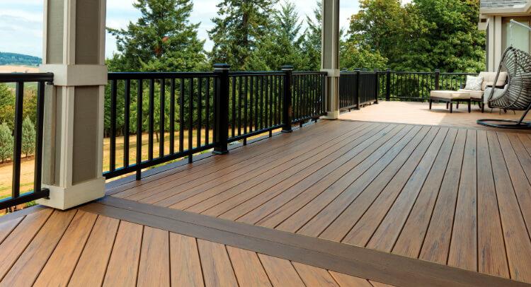 Deck floor and railing