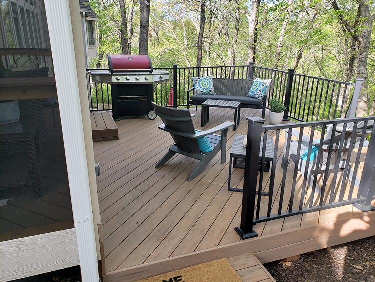 Custom deck with outdoor kitchen