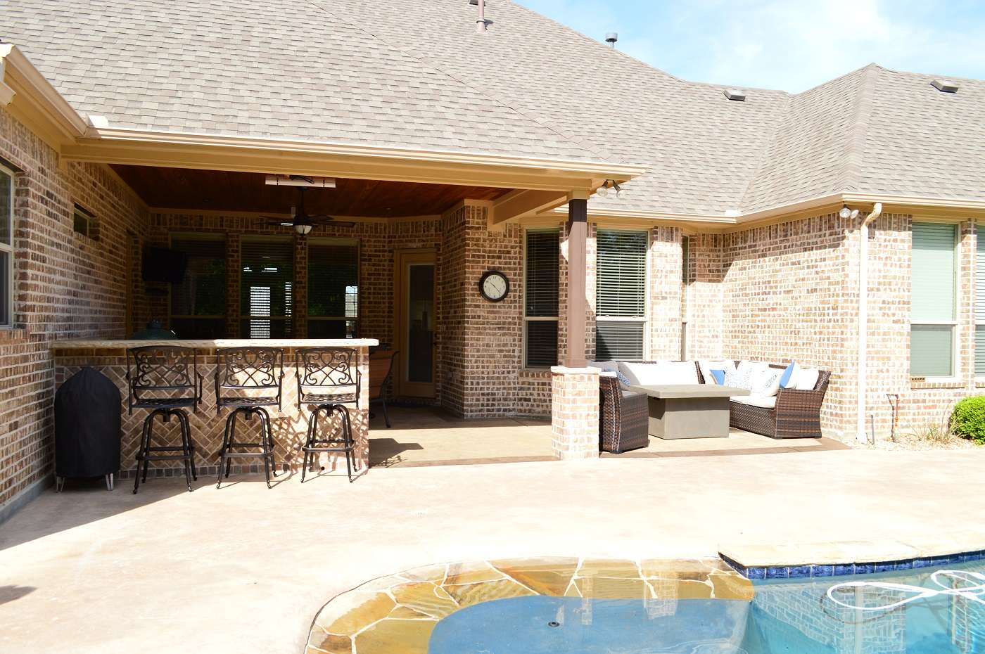 Poolside Outdoor Covered Patio