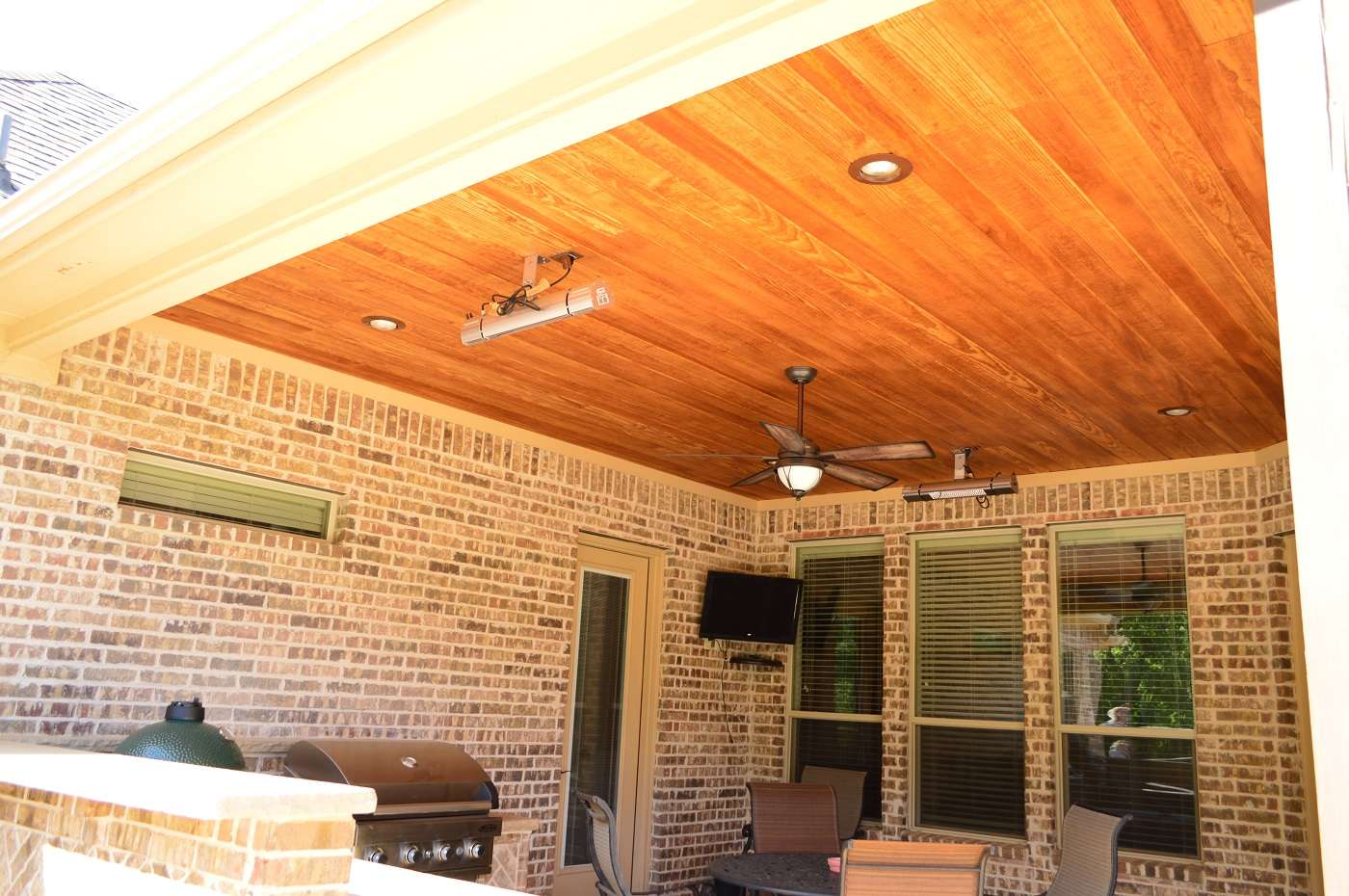 Covered patio ceiling detail