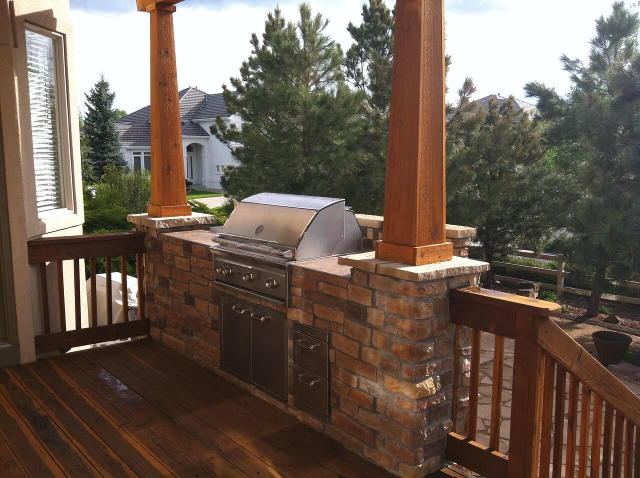 Outdoor kitchen on a deck