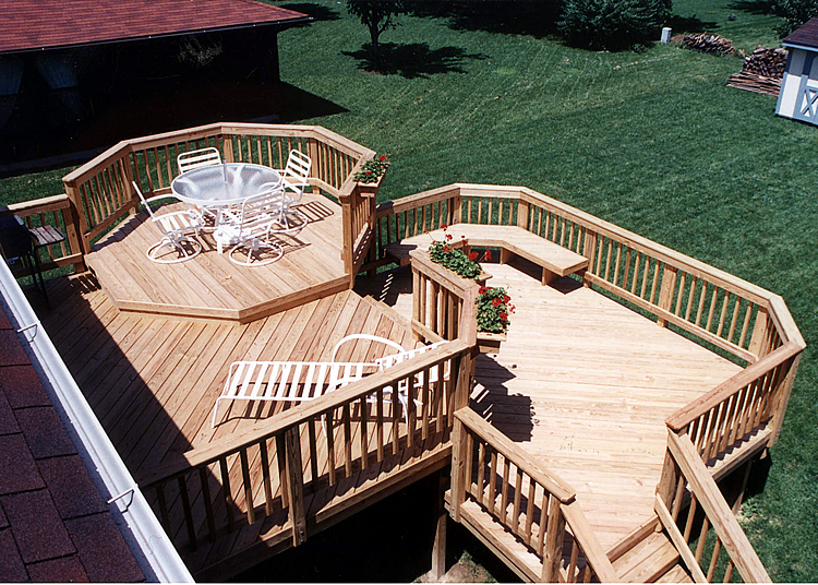 Multi-tier deck