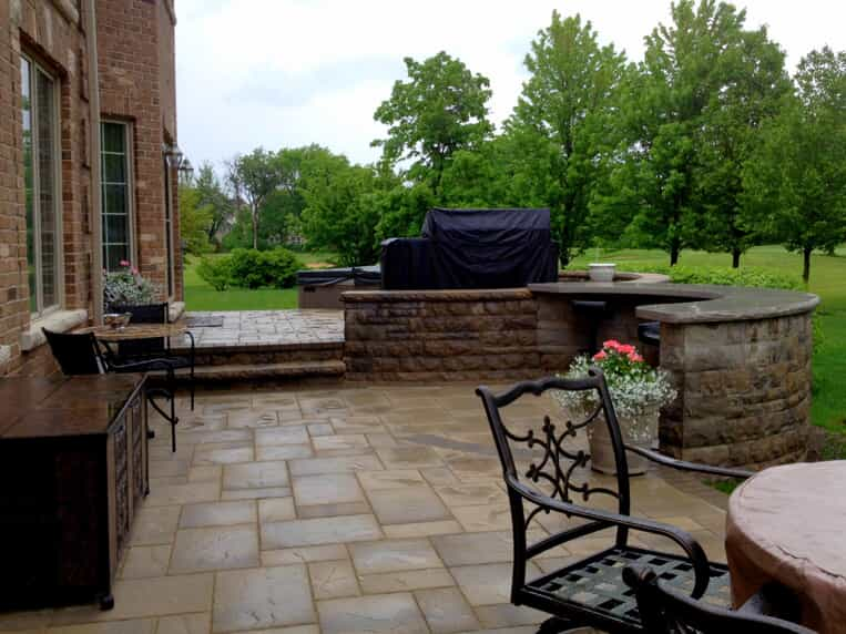 Hardscape patio with built in kitchen